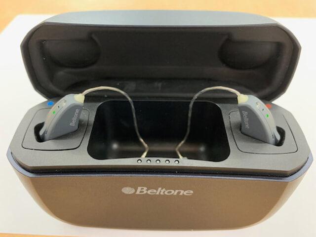 耳かけ型アメイズ補聴器 充電式